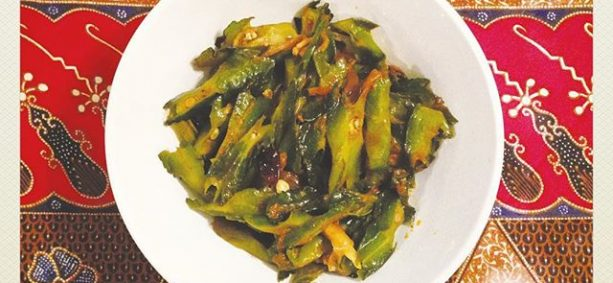 Top 10 Vegetable Dishes In Downtown Kuala Lumpur Sayur #7: FOUR ANGLED BEAN / KACANG BOTOL Thought to have been spread by the Arabs as their name 'kacang botol' is derived from Arabic. All parts of the plant are actually edible but the beans are delicious when stir-fried with sambal or eaten raw. One way to enjoy four angled beans is by stir-frying it, like this Kacang Botol Masak Sambal Belacan dish. The four angled beans are sliced and thencooked in a delicious, flavourful sambal belacan. You can find this dish at: TNB Corner (Citarasa Ibu) Special Dish: Kacang Botol Masak Sambal Belacan Location: Jalan Medan Bunus, KL Coordinates: 3.15272, 101.6979 Opening hours: Lunch time