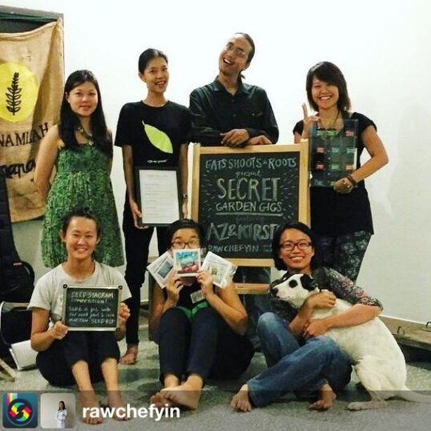 Necessary group pic with @azsamad @kirstenl8 @rawchefyin after their session in our space at Gasing. If you'd like to collaborate with us in our space, give us a holler gasing@eatsshootsandroots.org. Big thanks to everyone for coming, and Atlas MY for their @bose contribution! from @rawchefyin